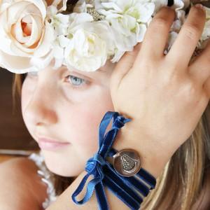 corona-flores-medalla-virgen-del-rocio-azul