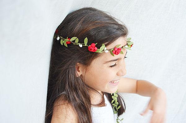 corona flores rojas