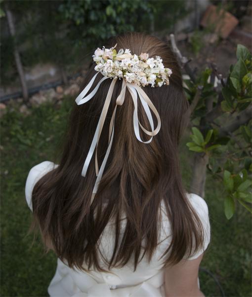 Flores_en_el_pelo_Prendido_Comunion_Tostado