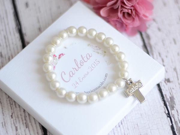 Pulseras perlas cruz personalizadas regalos bautizos Detalles invitados Niñas