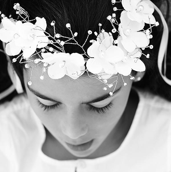 Tocado Flores Tela Oro Peinados Comuniones Niñas Limonae
