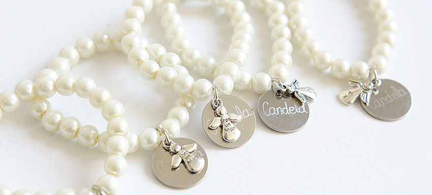 Pulseras con perlas comunion para regalar a los invitados