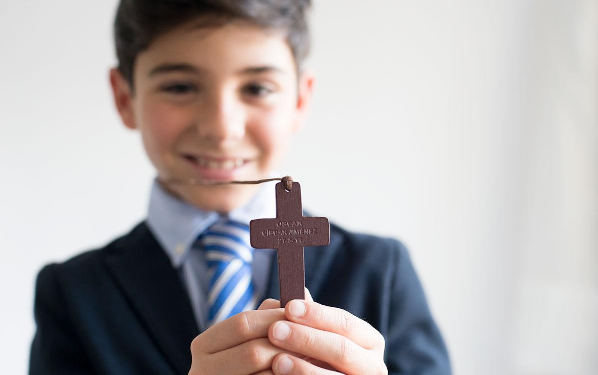 cruz de madera personalizada comunión