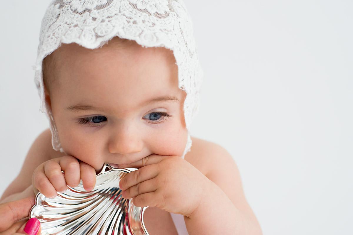 Concha de bautizo grabada con el nombre del bebé