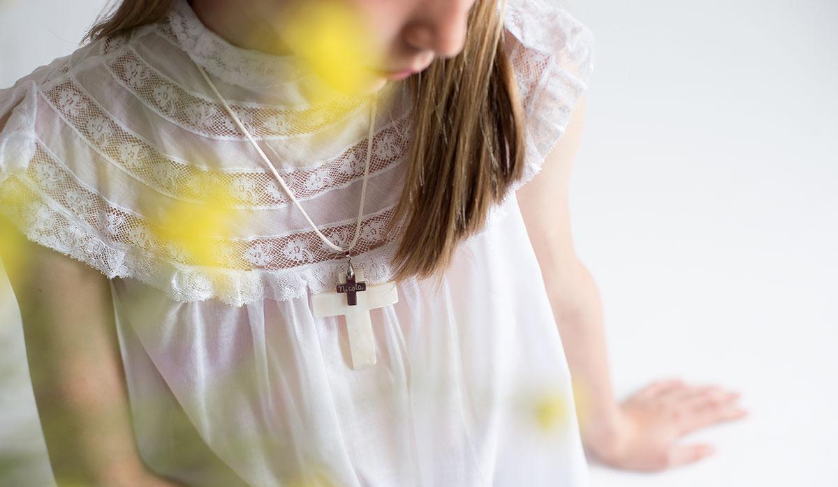 Cruz con nombre para niñas