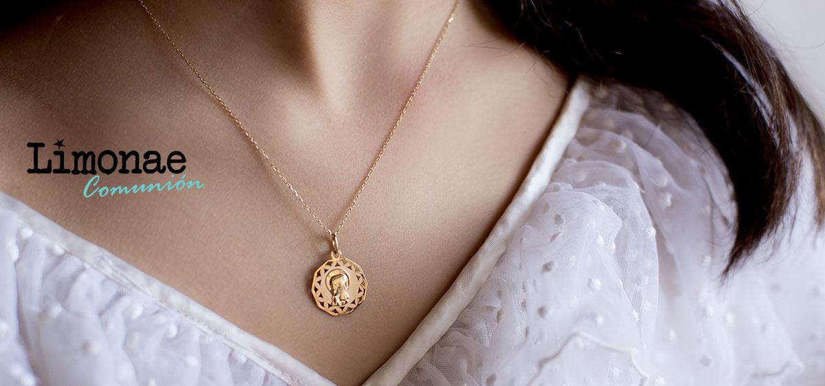 Medalla de oro con virgen niña